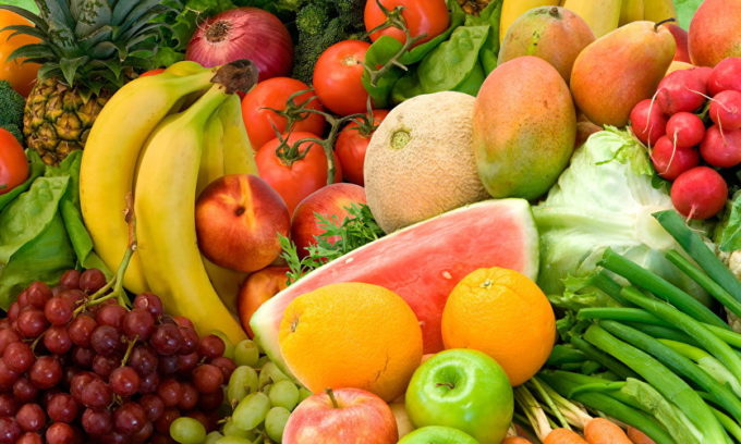 Употребление фруктов позволяет насыть организм витаминами и повысить иммунитет