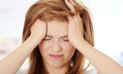 При панкреатите может развиться мигрень