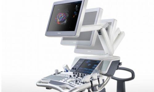 Аппарат УЗИ включает в себя компьютер, дисплей и подсоединенный к нему датчик