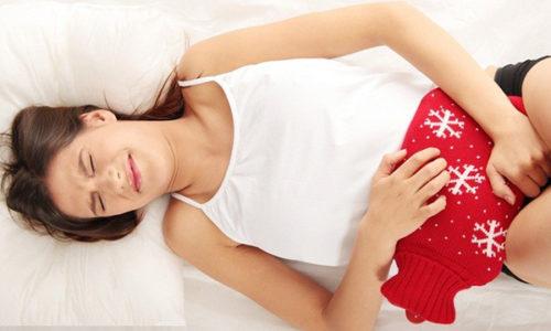 Синдром болезненного мочевого пузыря или по-другому–интерстициальный цистит, принято считать наиболее часто встречающейся причиной появления сильных болей в области малого таза у женщин