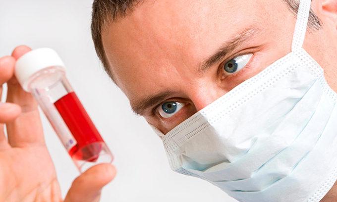 Анализ крови, позволяет определить уровень ТТГ, Т3, Т4, кальцитонина