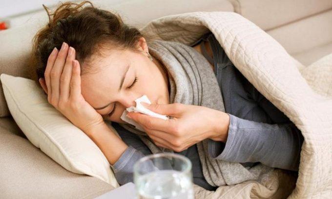 Провоцируют развитие недуга перенесённые острые вирусные респираторные заболевания