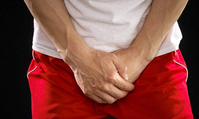 Признаки цистита у мужчин чаще всего стертые, так как страдают мужчины преимущественно хронической формой заболевания