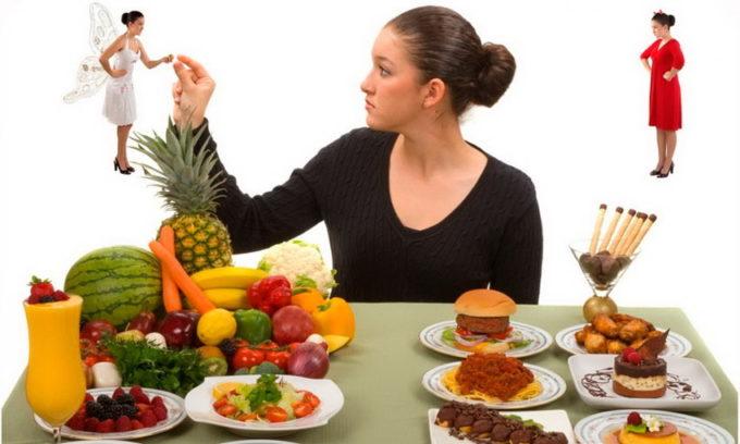Из меню больного стоит исключить пищу, способствующую дополнительному раздражению воспаленного мочевого пузыря: жир, пряности, специи, усилители вкуса и ароматизаторы