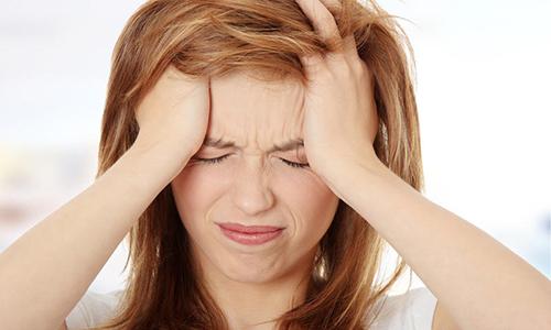 Сильные головные боли могут свидетельствовать о ранней стадии медуллярного рака