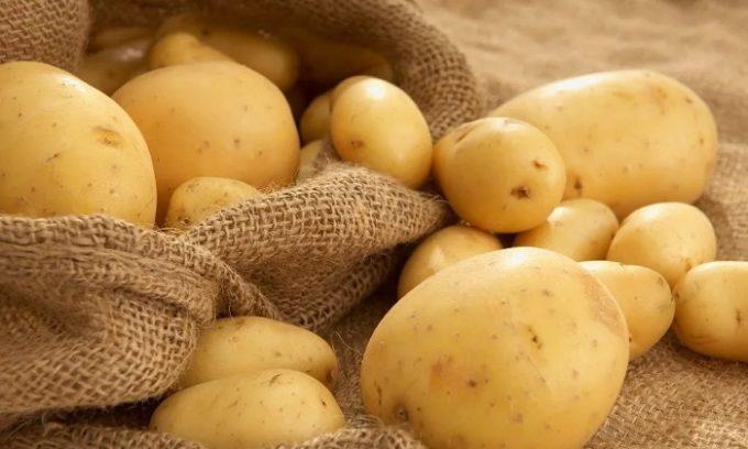 Можно приготовить мазь из картофеля: сырой картофель натиреть в виде кашицы и наносить слоем порядка 10 мм, а затем прикрывать бинтом на 5 ч