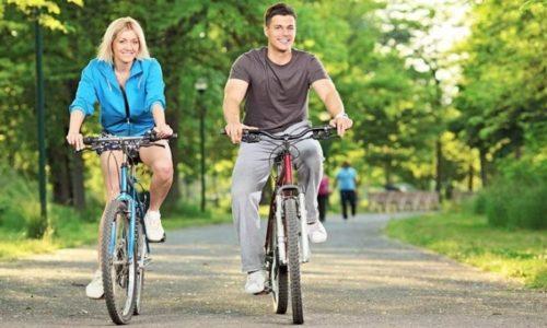Если нет возможности посещать спортзал, необходимо заниматься дома самостоятельно, можно просто ездить на велосипеде