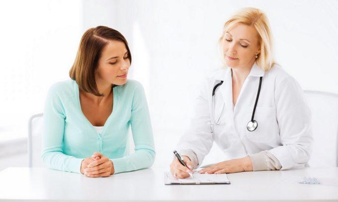 Исследование анамнеза пациента для определения общей картины заболевания