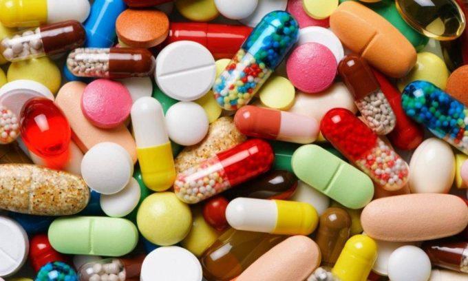 Воспаление слезного мешка у детей иногда можно вылечить с помощью медикаментов