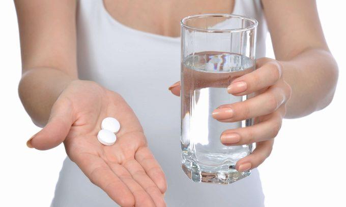 При остром холецистите назначают спазмолитики, антибиотики, обезболивающие