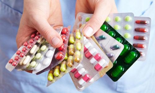 В зависимости от причины заболевания пациенту назначают прием противовоспалительных препаратов и обезболивающих средств