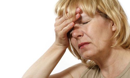 Женщины в возрасте входят в группу риска, который может повыситься при наступлении менопаузы