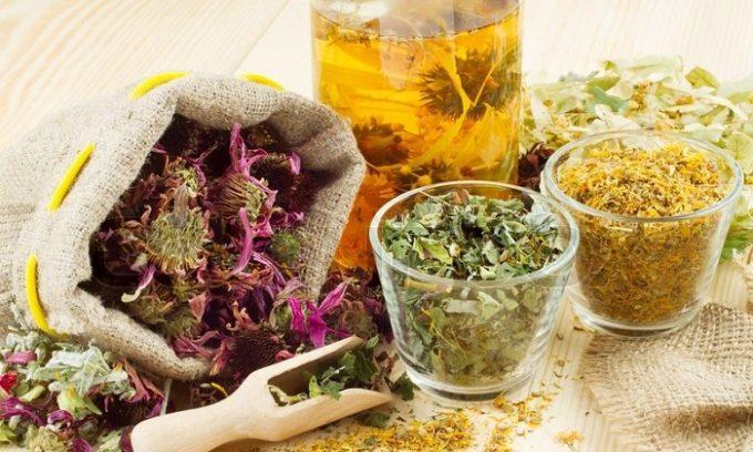 Аит можно лечить с помощью народных рецептов, которые сегодня очень популярны