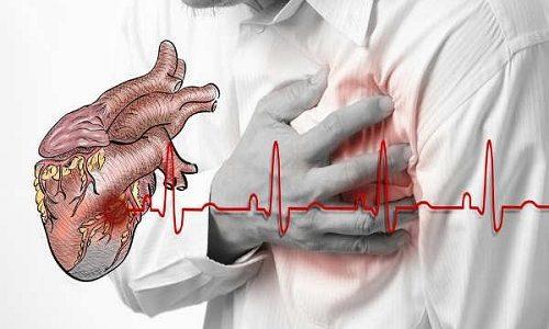Повышенная гормональная функция в организме больного может провоцировать учащенное сердцебиение