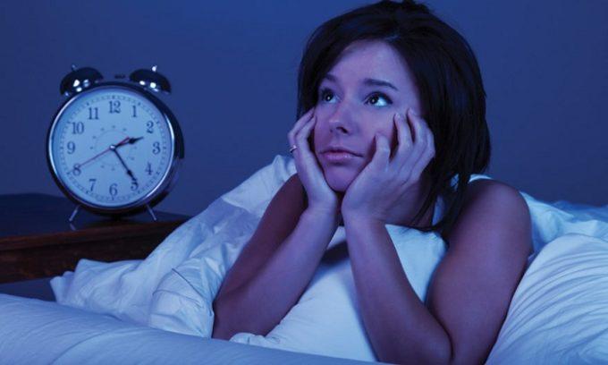 В некоторых случаях о проблемах с щитовидной железой говорит нарушение сна