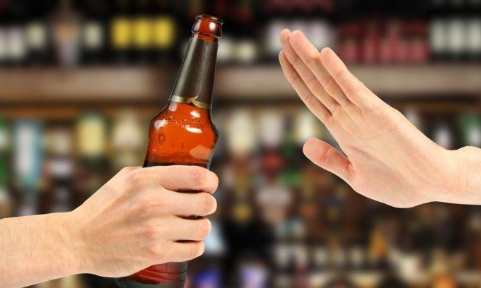 Холецистит можно предупредить путем отказа от алкоголя