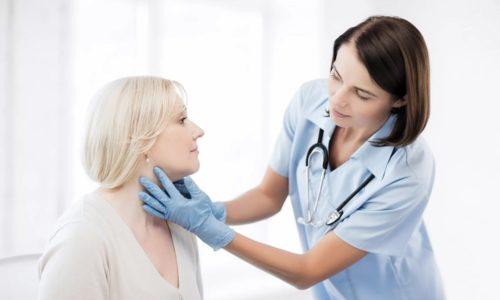 Небольшие узлы выявляются во время диагностики эндокринологом