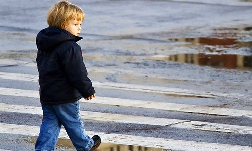 Географическая (пространственная, топографическая) форма кретинизма проявляется в патологическом неумении ребенка ориентироваться на незнакомой местности