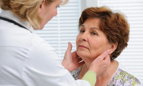 Аденома щитовидной железы чаще всего поражает женщин среднего и старшего возраста