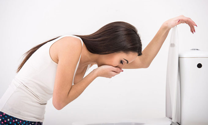 Явная проблема со здоровьем существует, если человек страдает от тошноты и рвоты