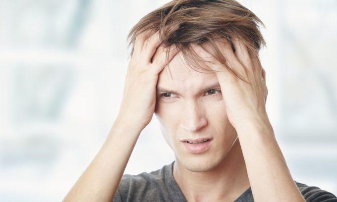 Повышенная тревожность - один из симптомов заболеваний щитовидной железы
