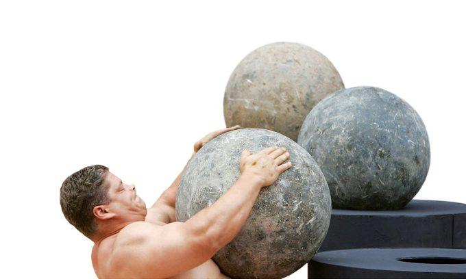 В результате поднятия тяжестей может наступить обострение холецистита