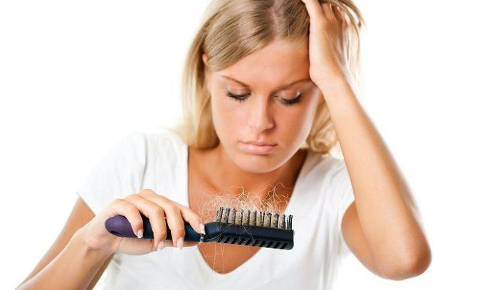Больной может страдать от потери волос