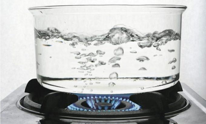 Вода или отвар ромашки обязательно должны быть кипячеными