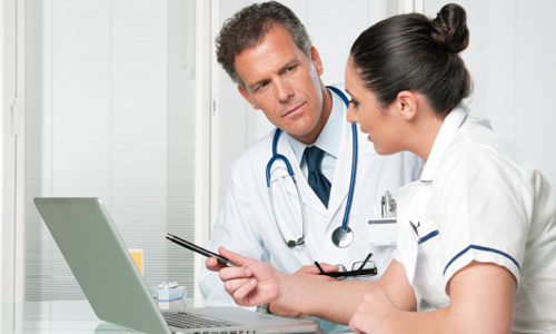 На основании анализа клинической картины недуга пациента и проведенных лабораторных исследований врач делает вывод о том, какая разновидность патологии щитовидной железы у больного