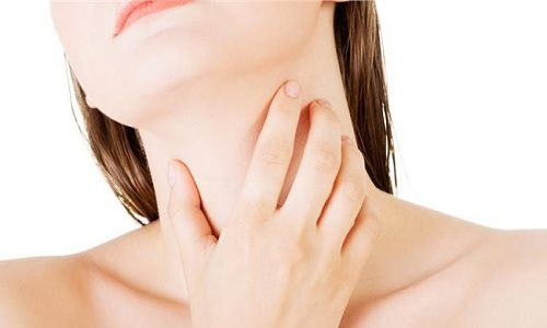 Подострый тиреоидит – это воспалительный процесс в щитовидной железе, который сопровождается разрушением клеток тиреодитов, образованием в ткани органа гранулята
