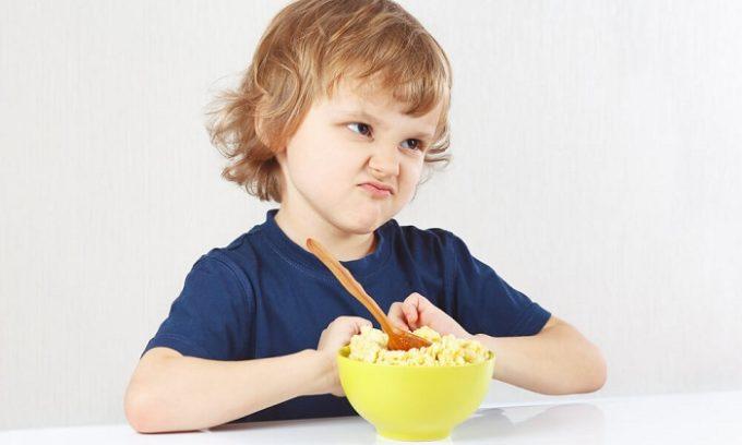 Ребенок при заболевании щитовидной железы теряет аппетит