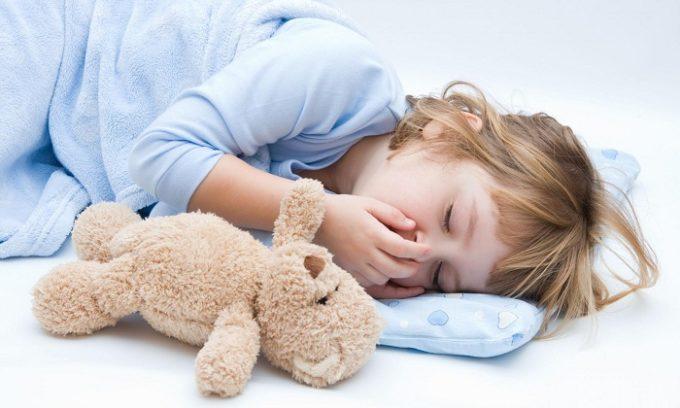 У подростков и более маленьких детей гипоплазия щитовидки сопровождается сонливостью